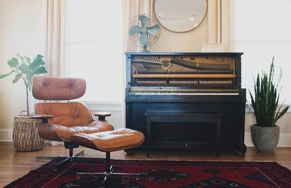 Cheap House Interstate Removalists moving a Standard Piano